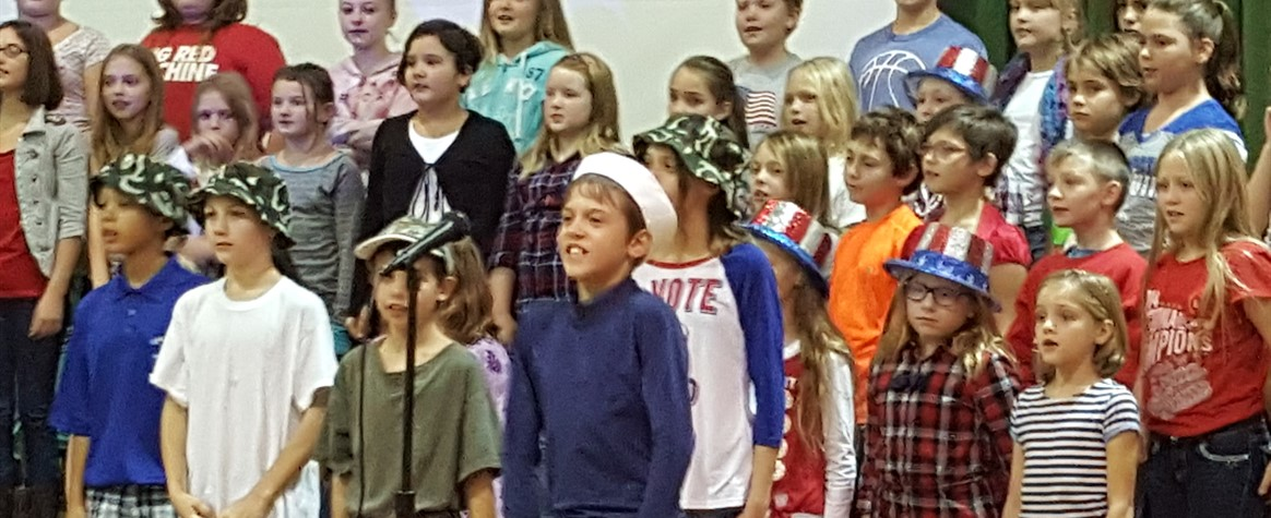 <b>Tiffin Students Salute Veterans<b>